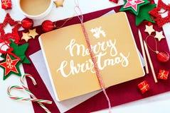 För textbok för glad jul leksak för ferie för meddelande Arkivfoton