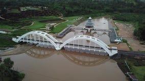 För Tha för flyg- sikt för Phu chom bro historia i Lamphun, Thailand arkivfilmer