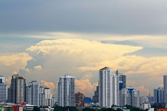för thailand för 2 för baiyokebangkok byggnad skyskrapor för stad mest högväxt sikt torn Fotografering för Bildbyråer