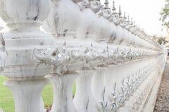 för thailand för tempel för uppgift för rong för rai för khun för härlig chiang för konstdragningar kulturell fin white wat stång Royaltyfri Fotografi