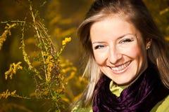 för tim för vuxen blond caucasian fall utomhus- barn kvinna Royaltyfria Foton