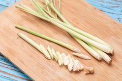 För tom för Lemongrassskiva aromatisk ny doftande ingrediens sötpotatis Royaltyfri Bild