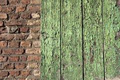 För trä clinker kontra Arkivfoto