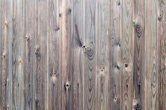 För träpanel för gammal grunge mörk brun modell med härlig abstrakt kornyttersidatextur, vertikal randig bakgrund eller bakgrunde royaltyfria foton