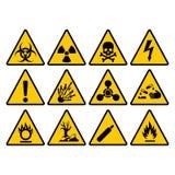 För triangeltecken för varning gul uppsättning Varna och faravektortecken royaltyfri illustrationer