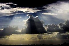 För tummar moln upp - Royaltyfri Foto