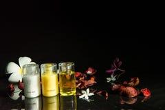 för tvålhandduk för badrum stearinljus isolerad set white Arkivfoto