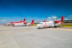 För tvilling--motor för ATR 72 kort-transportsträcka Avianca turbopropmotor Arkivbild