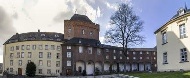 För Tyskland för schwanenburgslottkleve panoraman den höga definition royaltyfria foton