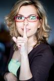 för tystnadkvinna för skönhet göra en gest barn Fotografering för Bildbyråer