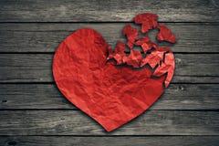 För upplösningsbegrepp för bruten hjärta symbol för avskiljande och för skilsmässa Royaltyfria Foton