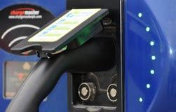 För för uppladdningsstation/laddning för elbil/EV punkt i UK fotografering för bildbyråer