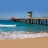 För USA för Huntington Beachbränningstad sikt pir Arkivbild