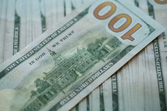 För USA för USA dollarpengar bakgrund för sedlar för pengar dollar Royaltyfri Bild