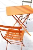 för uteplatsskugga för stol orange tabell Royaltyfri Foto