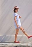 för väggwhite för stilsort plattform kvinnor Royaltyfria Foton