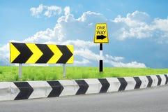 för vägmärketon för vinkel blå sikt wide Royaltyfri Fotografi