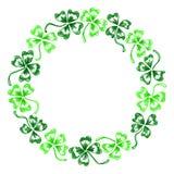För växt av släktet Trifoliumtreklöver för klotter grön linje isolerad konst för krans för cirkel Royaltyfri Bild