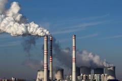 för växtström för kol enorm rök royaltyfri foto