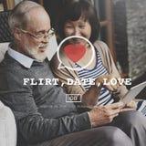 För Valantine för flörtdatumförälskelse begrepp för passion för hjärta romans Royaltyfri Foto