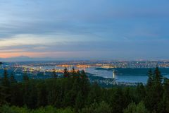 För Vancouver flyg- sikt F. KR. Kanada Cityscape på gryning Arkivbild