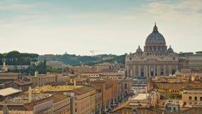 För vatican för sol ljus schackningsperiod för tid för panorama 4k för cityscape för överkant för tak för framdel berömd basilika lager videofilmer