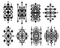 För vektorlogoen för tappning ställde den mexikanska aztec stam- traditionella designen in, navajotryck Royaltyfri Fotografi