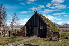 För Vidimyri för VÃðimà ½rarkirkja kyrka Island torva royaltyfri fotografi