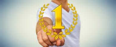 För vinnaretrofé för affärsman rörande hand drog symboler Arkivfoto