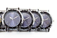 för watcheswhite för bakgrund tät övre wrist arkivbild