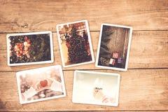 För xmas-foto för glad jul album på den gamla wood tabellen Royaltyfri Bild