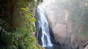 För yai för Haew Narok vattenfallkao arv för värld nationalpark, Thailand arkivfilmer