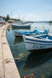 Förankrade fartyg i Sozopol Arkivfoto