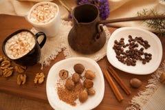 Förbered smakliga kakor bolts muttrar för sammansättningsbegreppsfamilj Arkivbilder