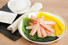 Förbereda den koreanska sushi Fotografering för Bildbyråer