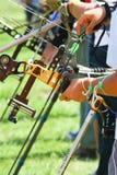 Förbereda sig för bågskytte Fotografering för Bildbyråer