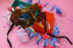 Förbereda sig för karneval Arkivbild