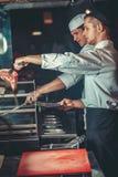 Förbereda traditionell nötköttbiff Fotografering för Bildbyråer