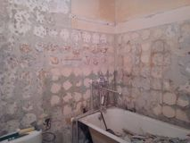 förberedande arbete för badrumrenovering royaltyfri foto