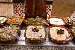 förberedd restaurang för mat hotell Fotografering för Bildbyråer