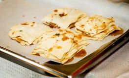 Förberedelse av baklava, kakor, bakelser Royaltyfria Foton