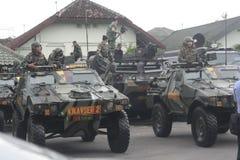 Förberedelse av den indonesiska nationella armén i staden av soloen, centrala Java Security Royaltyfri Bild