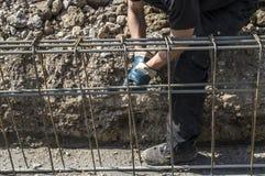 Förberedelse av förstärkningen för fundament på platsen Arkivbild