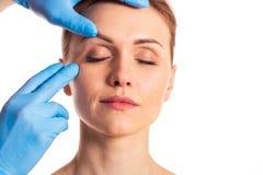 Förberedelse för ansikts- kirurgi Royaltyfri Fotografi