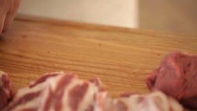 Förberedelse för matlagning nytt nötkött lager videofilmer