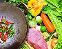 Förberedelse till asiatisk traditionell matlagning Royaltyfri Fotografi
