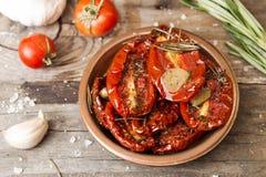 Förberedelse torkade tomater Arkivbilder