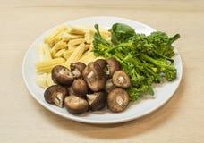 Förberedelsegrönsak för att laga mat Royaltyfri Fotografi