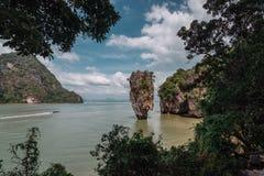 förbind ön james thailand Populär turist- destination E Utfärd mellan öarna av sting arkivbilder
