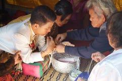 Förbindelseceremoni av thailändskt folk i norr counrty Royaltyfri Bild